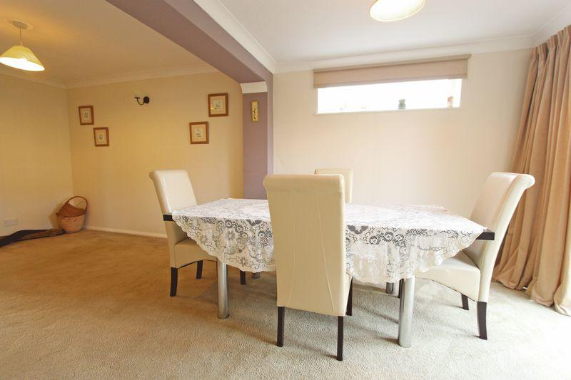 3 bedroom detached house for sale in westbourne park for Public dining room 50 off