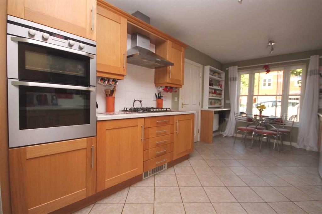 Kitchen /