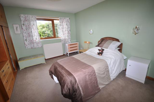 Annexe - bedroom 1