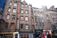 Flat to rent in St. Marys Street...