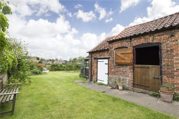 property sale hutton sessay Search through 10 properties for sale in sessay, thirsk find homes from £ 135000 on a map of sessay, thirsk crantock is a superb and ly presented 3 double bedroom detached bungalow which has been maintained.