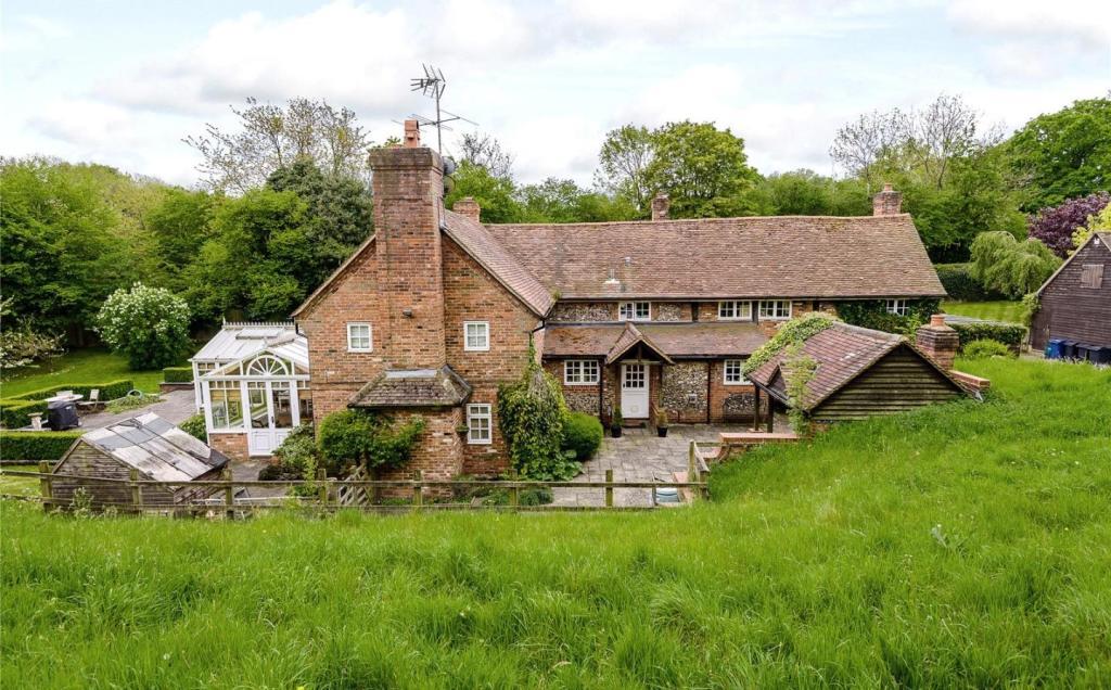 Hollands Farm