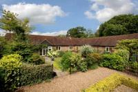 4 bed Link Detached House in Woodcock Hill...