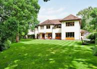 5 bed house for sale in Beacon Way...