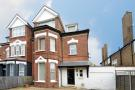 2 bedroom Ground Flat in Great North Road, London...