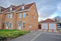 3 bed Town House in Rainsborough Way...