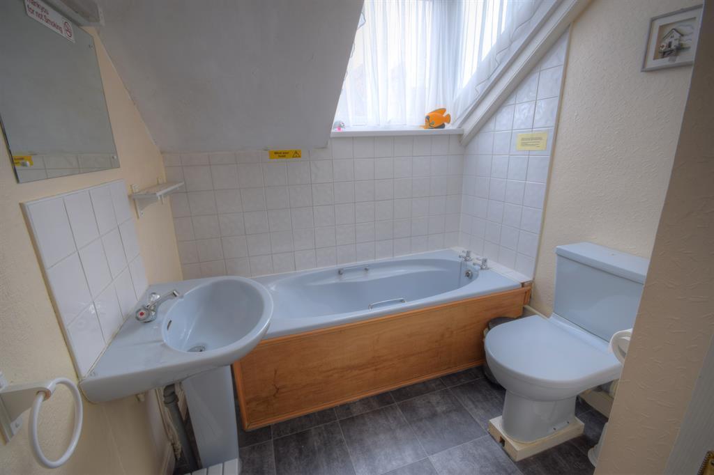 Bathroom floor2