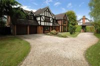 5 bedroom Detached home in Gibbet Hill