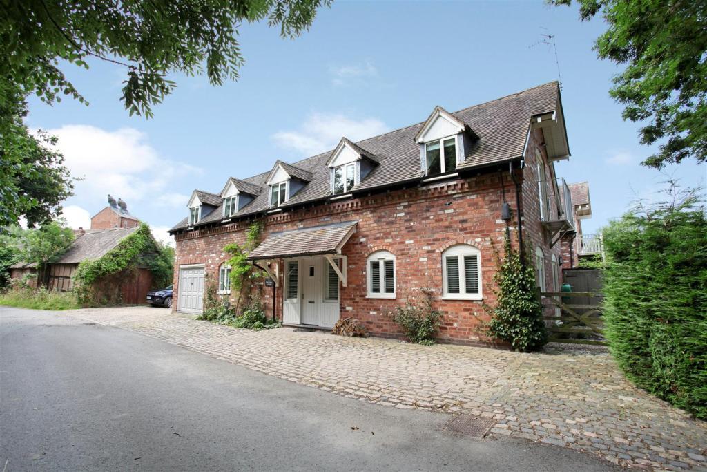 Waterside Cottage 17