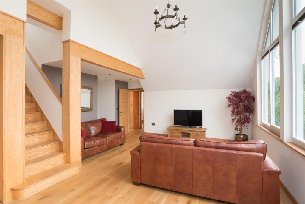 Vista House-3.jpg