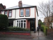 semi detached property to rent in Padgate Lane, Warrington