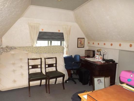 Bedroom 5/Study Area