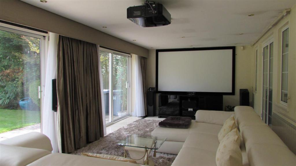 Cinema/family room