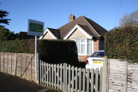 2 bed Detached Bungalow in Greenmead Avenue...