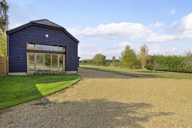 North Farm Barn fpz1