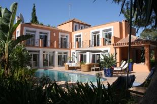 6 bedroom Villa for sale in , Nueva Andalucia...