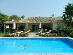 Villa in , Nueva Andalucia...