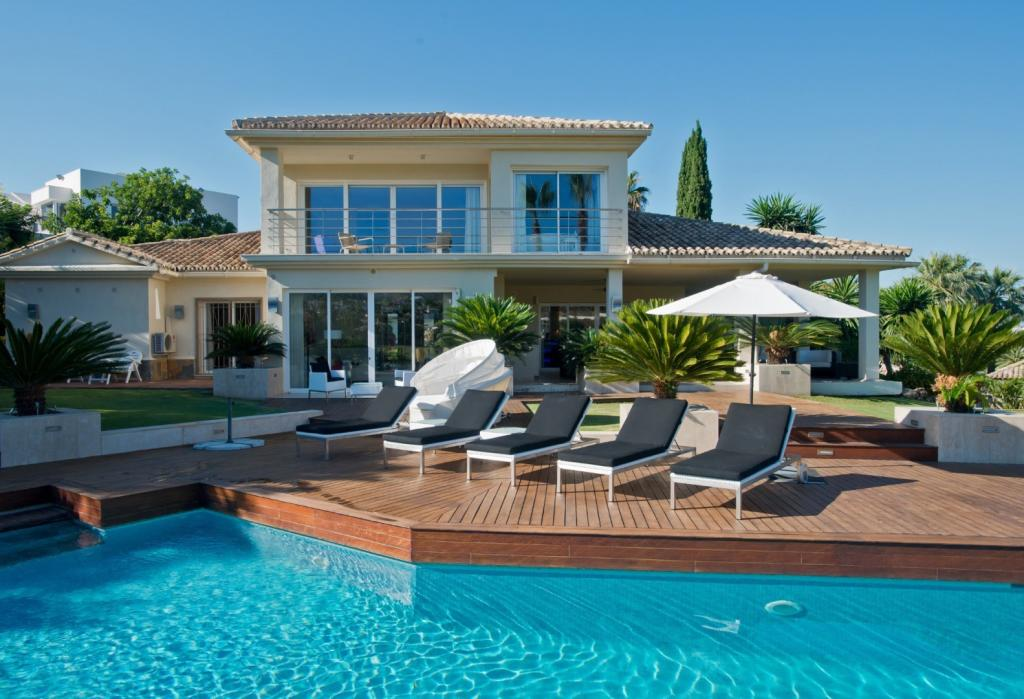 Villa for sale in Spain, Los Naranjos Golf...