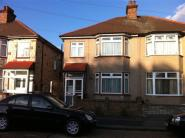 3 bed Terraced home to rent in Mayfair Avenue...