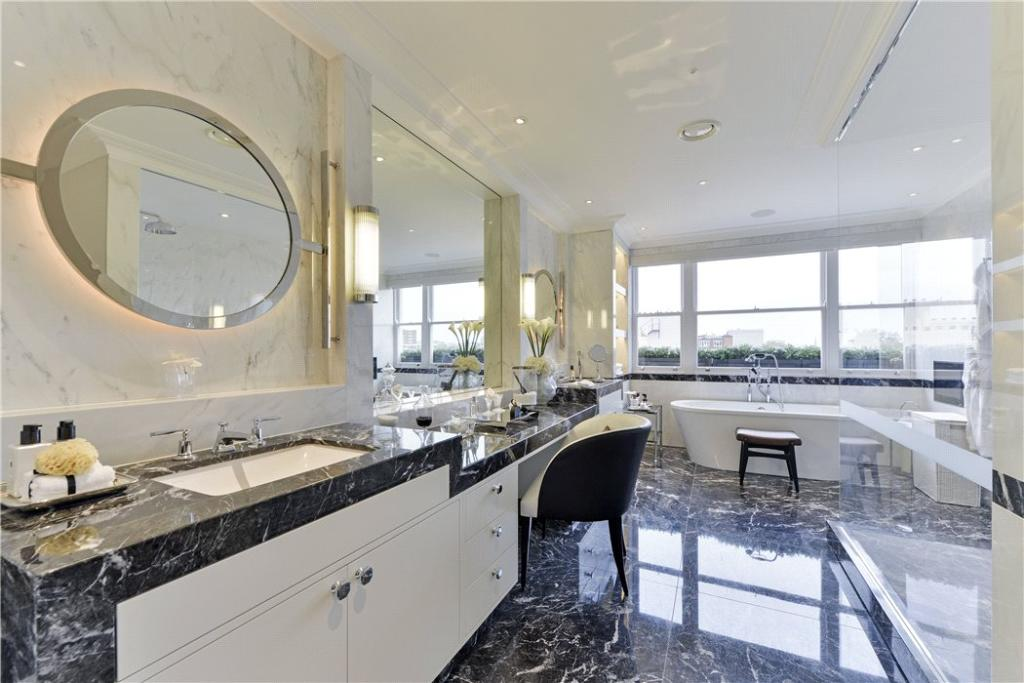 Bathroom : W2