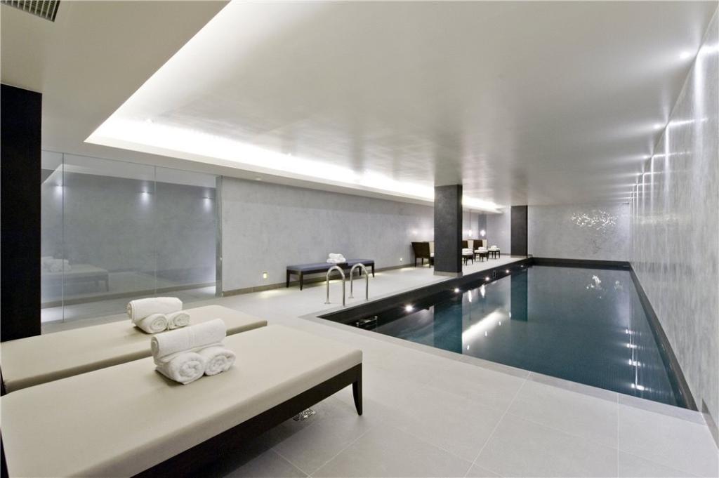 Swimming Pool : W2