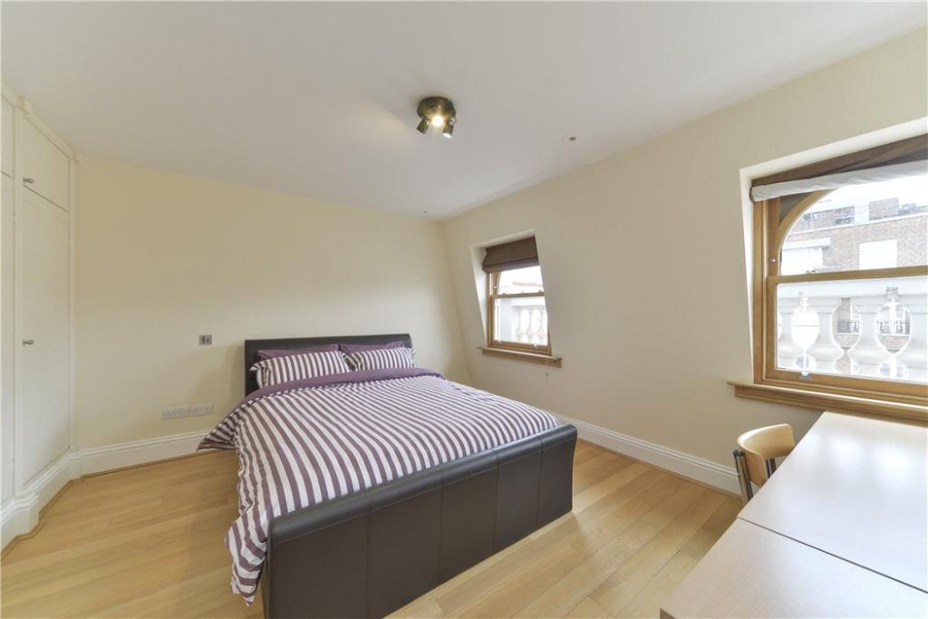 Bedroom : W2