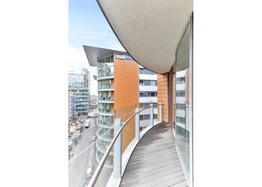 Balcony : W2