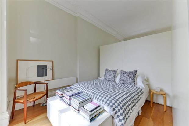 Bedroom: W2
