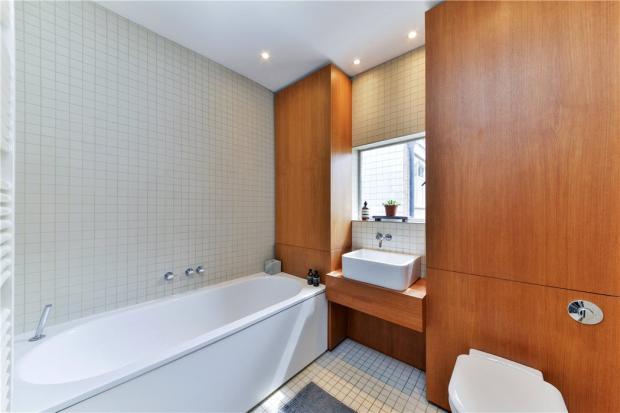 Bathroom: W2