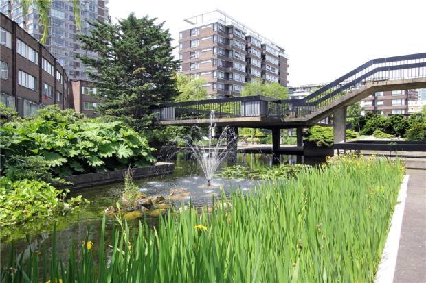 Gardens: W2