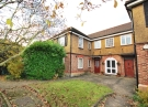 3 bedroom Flat to rent in Rectory Gardens Rectory...