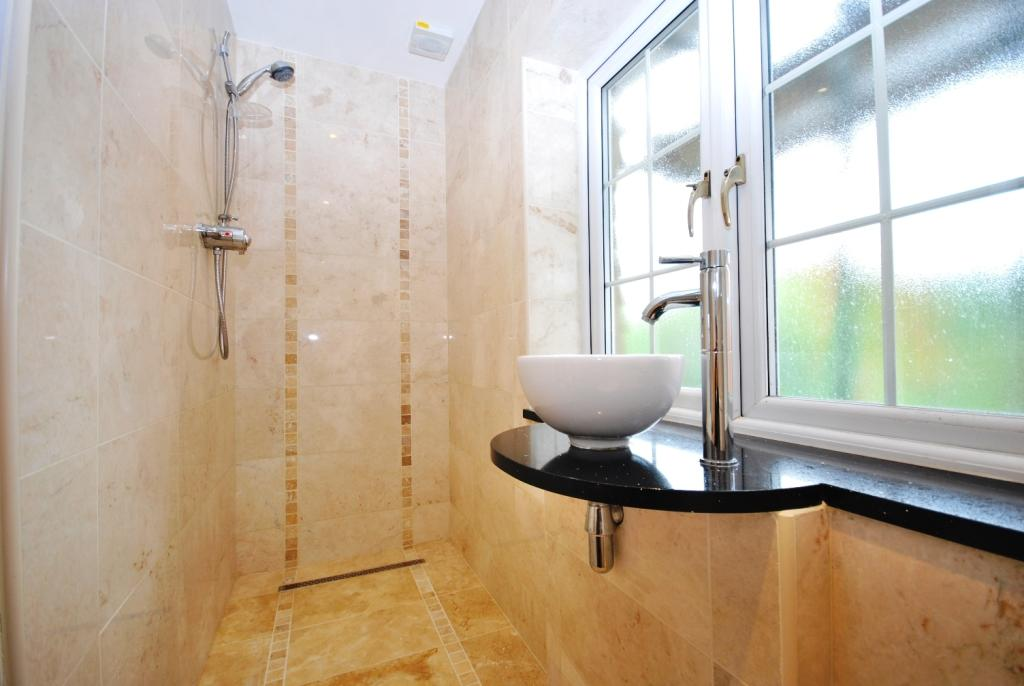 Wet Room EnSuite1