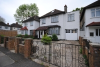5 bed Detached home in Luffman Road Grove Park...