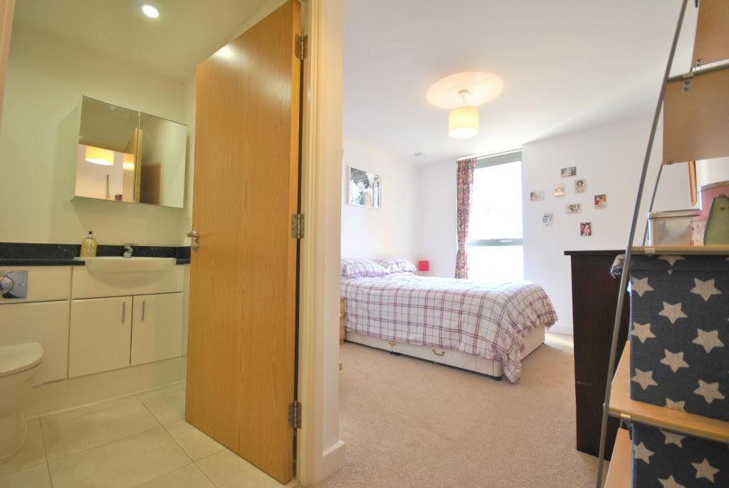 Master bedroom & ...