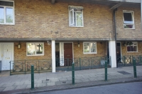 Flat in Lovelinch Close London...