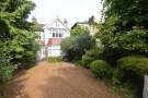 4 bed semi detached property to rent in Ravensbourne Park...