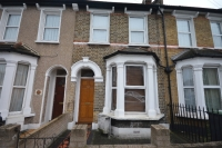 2 bedroom Terraced house to rent in Brookdale Road Catford...