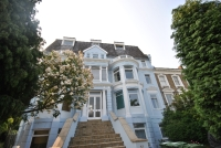3 bedroom Flat for sale in Ravensbourne Park...