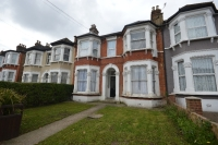Flat for sale in Broadfield Road Catford...