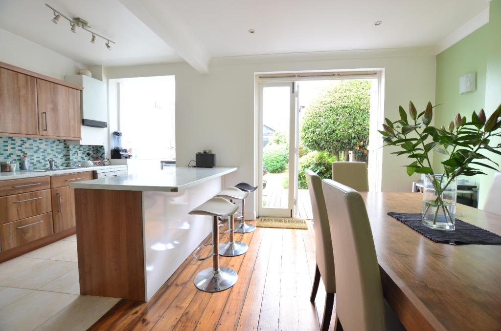 3 bedroom semi detached house for sale in woolstone road for Kitchen ideas 3 bed semi