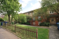Flat to rent in Overhill Road East...