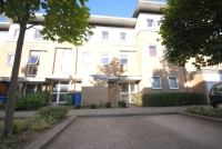 Town House to rent in Highwood Close Dulwich...