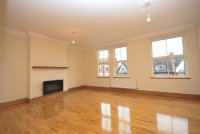 2 bed Flat to rent in Lordship Lane East...