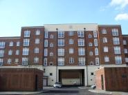 Flat to rent in Gloucester Court 516...