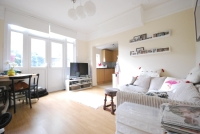 1 bedroom Flat in Holmdene Avenue London...