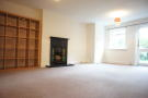 2 bedroom Flat in Gatestone Road SE19