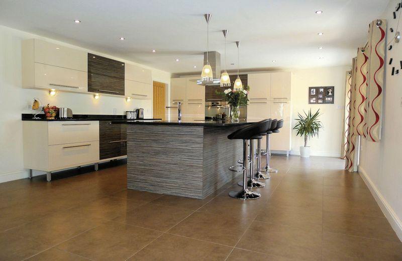Modern White Kitchen Island Design Ideas Photos Inspiration Rightmove Home Ideas