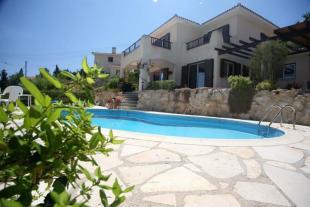 Villa in Kamares - Paphos - Cyprus