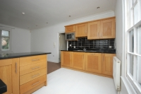 Flat to rent in Summer Hill Chislehurst...