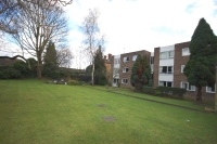 Flat to rent in Willow Grove Chislehurst...